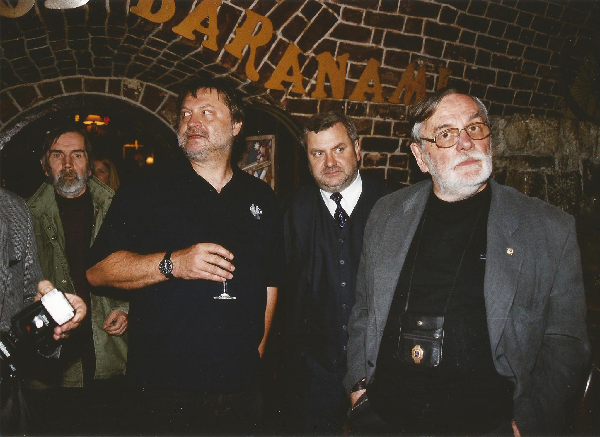 Na zdjęciu od lewej: Andrzej Warchał, Jarek Śmietana, Witold Wnuk, Andrzej Kurylewicz - 2003 r.